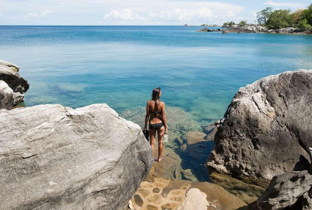 lake-malawi_nkwichi_lucie-venus-beach1