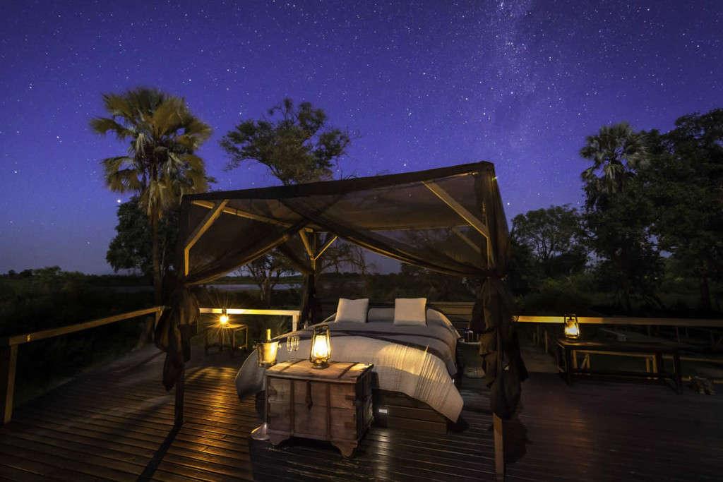 Botswana_Abu-Camp-Star-Bed-1