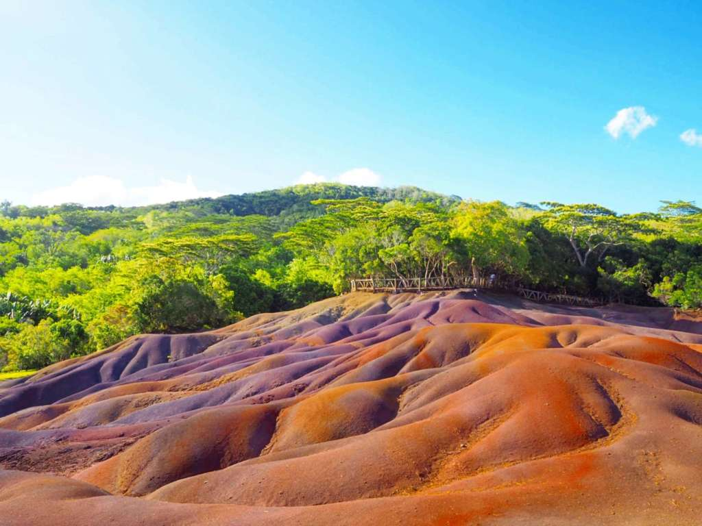 The Seven-Coloured Earth of Chamarel